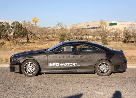 Mercedes Classe S Coupè nuove foto spia - Foto 6 di 18