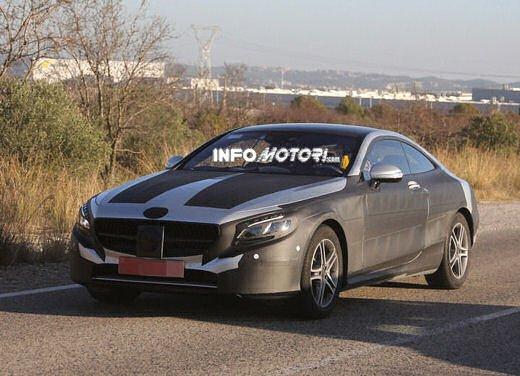 Mercedes Classe S Coupè nuove foto spia - Foto 9 di 18