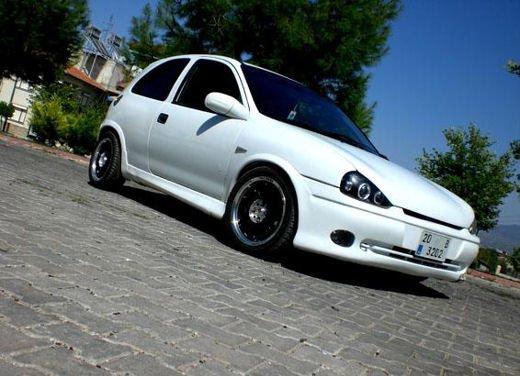 Opel Corsa GSi, la storia della piccola sportiva tedesca - Foto 3 di 9