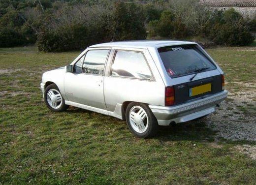 Opel Corsa GSi, la storia della piccola sportiva tedesca - Foto 7 di 9