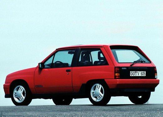 Opel Corsa GSi, la storia della piccola sportiva tedesca - Foto 8 di 9