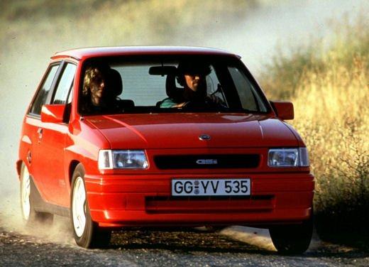 Opel Corsa GSi, la storia della piccola sportiva tedesca - Foto 9 di 9