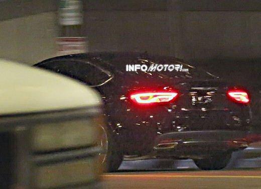 Chrysler 200, spiata senza veli la cugina della Lancia Flavia - Foto 12 di 13