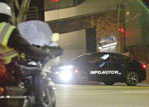 Chrysler 200, spiata senza veli la cugina della Lancia Flavia - Foto 11 di 13