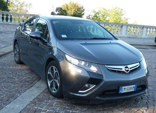 Opel Ampera provata su strada per oltre 500 km in modalità elettrica - Foto 3 di 25