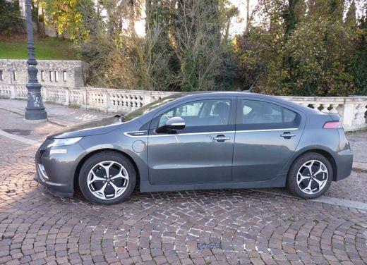 Opel Ampera provata su strada per oltre 500 km in modalità elettrica - Foto 9 di 25