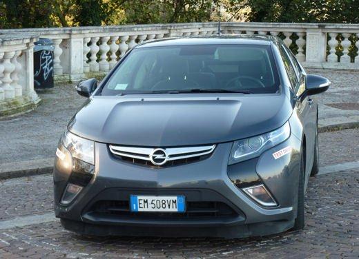 Opel Ampera provata su strada per oltre 500 km in modalità elettrica - Foto 12 di 25