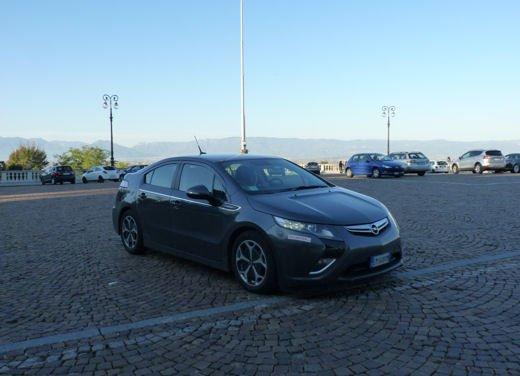 Opel Ampera provata su strada per oltre 500 km in modalità elettrica - Foto 16 di 25