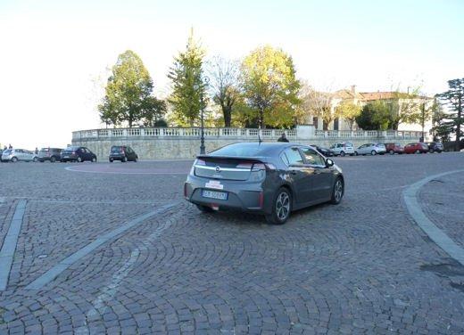 Opel Ampera provata su strada per oltre 500 km in modalità elettrica - Foto 17 di 25
