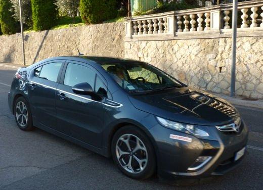 Opel Ampera provata su strada per oltre 500 km in modalità elettrica - Foto 20 di 25