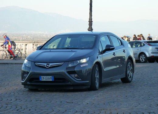 Opel Ampera provata su strada per oltre 500 km in modalità elettrica - Foto 24 di 25