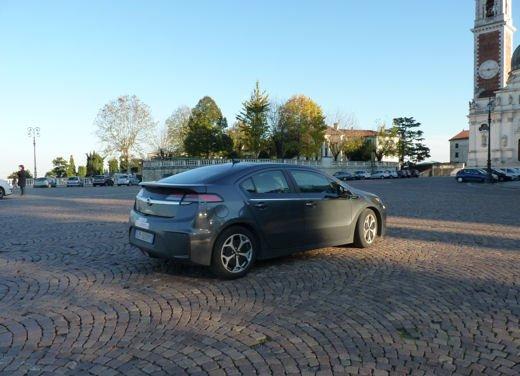 Opel Ampera provata su strada per oltre 500 km in modalità elettrica - Foto 25 di 25