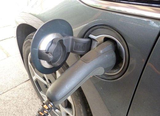 Opel Ampera provata su strada per oltre 500 km in modalità elettrica - Foto 18 di 25