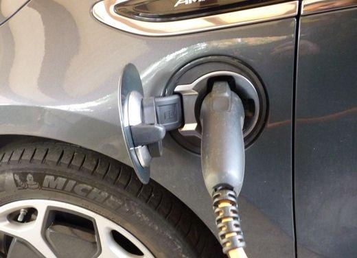 Opel Ampera provata su strada per oltre 500 km in modalità elettrica - Foto 11 di 25