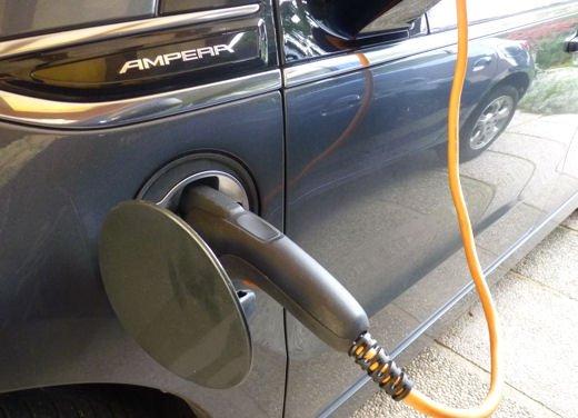 Opel Ampera provata su strada per oltre 500 km in modalità elettrica - Foto 13 di 25