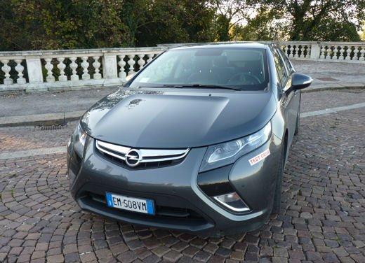 Opel Ampera provata su strada per oltre 500 km in modalità elettrica - Foto 6 di 25
