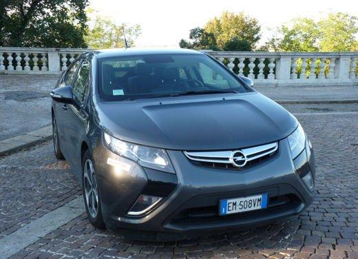 Opel Ampera provata su strada per oltre 500 km in modalità elettrica - Foto 8 di 25
