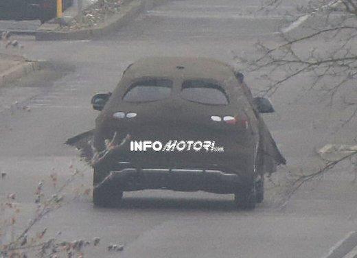Audi Q3 nuove foto spia del crossover tedesco - Foto 5 di 6
