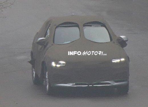 Audi Q3 nuove foto spia del crossover tedesco - Foto 1 di 6