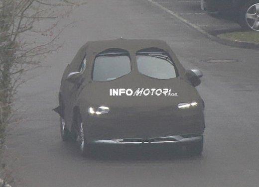 Audi Q3 nuove foto spia del crossover tedesco - Foto 4 di 6