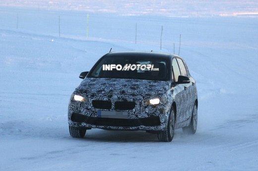 BMW Serie 2 Active Tourer nuove foto spia - Foto 3 di 7