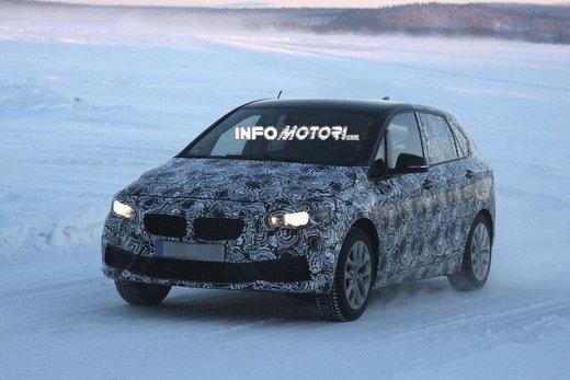 BMW Serie 2 Active Tourer nuove foto spia - Foto 4 di 7