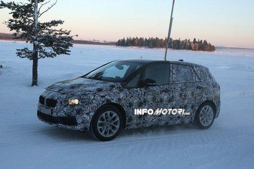 BMW Serie 2 Active Tourer nuove foto spia - Foto 5 di 7