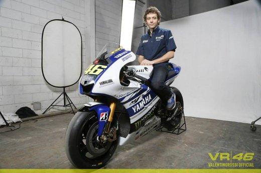 Valentino Rossi, presentazione della nuova Yamaha M1 a Jakarta - Foto 4 di 11