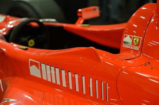 Ferrari F300 del 1998 di Michael Schumacher venduta all'asta per 1,7 milioni di dollari - Foto 15 di 17