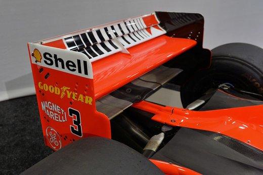 Ferrari F300 del 1998 di Michael Schumacher venduta all'asta per 1,7 milioni di dollari - Foto 17 di 17