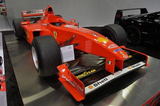 Ferrari F300 del 1998 di Michael Schumacher venduta all'asta per 1,7 milioni di dollari - Foto 4 di 17
