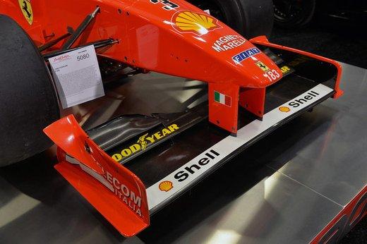 Ferrari F300 del 1998 di Michael Schumacher venduta all'asta per 1,7 milioni di dollari - Foto 9 di 17