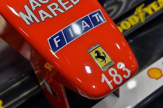 Ferrari F300 del 1998 di Michael Schumacher venduta all'asta per 1,7 milioni di dollari - Foto 10 di 17