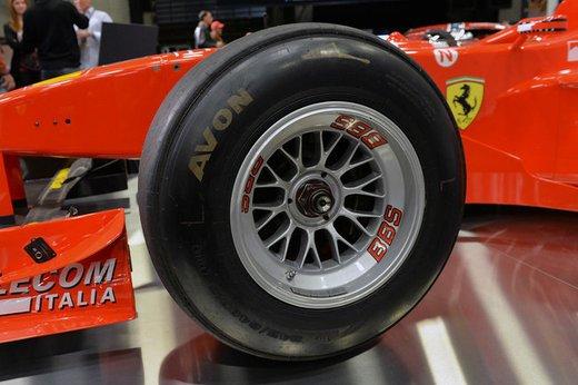 Ferrari F300 del 1998 di Michael Schumacher venduta all'asta per 1,7 milioni di dollari - Foto 12 di 17