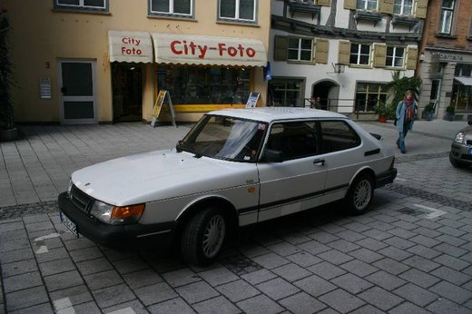 Saab 900, la storia della berlina svedese - Foto 1 di 12