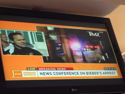 Justin Bieber arrestato per eccesso di velocità a bordo di una Lamborghini - Foto 1 di 10