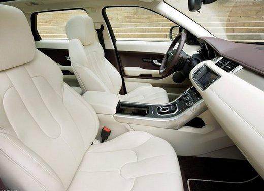 Range Rover Evoque diesel, prestazioni e consumi della versione entry level - Foto 9 di 14