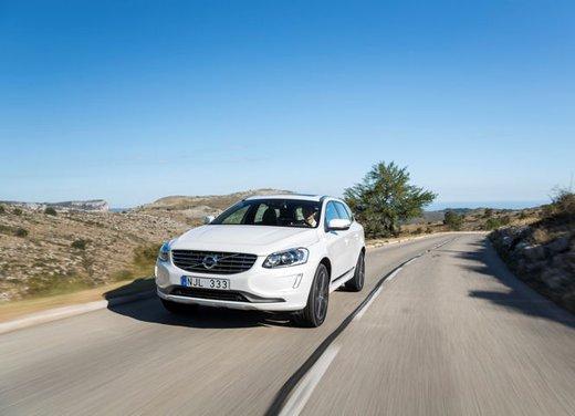 Nuova Volvo XC60 prova su strada - Foto 6 di 16