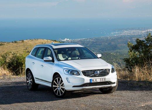 Nuova Volvo XC60 prova su strada - Foto 15 di 16
