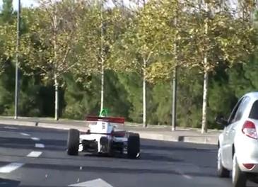 Le strade francesi trasformate in un circuito di Formula 1 - Foto 6 di 13
