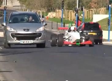 Le strade francesi trasformate in un circuito di Formula 1 - Foto 7 di 13