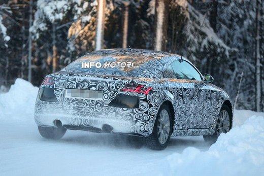 Audi TT nuove foto spia sulla neve - Foto 3 di 7
