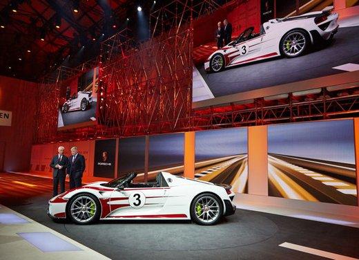 A Perugia la prima Porsche 918 Spyder per il mercato italiano - Foto 9 di 15