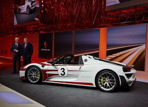 A Perugia la prima Porsche 918 Spyder per il mercato italiano - Foto 10 di 15