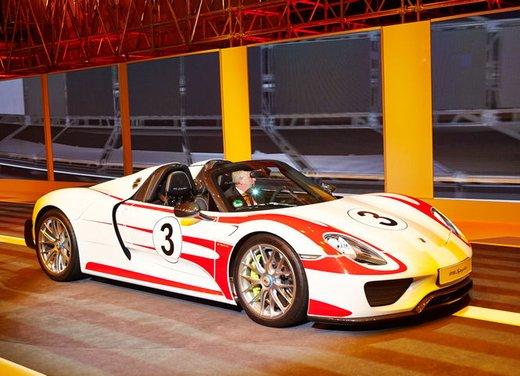 A Perugia la prima Porsche 918 Spyder per il mercato italiano - Foto 1 di 15