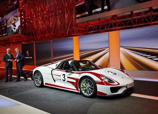 A Perugia la prima Porsche 918 Spyder per il mercato italiano - Foto 2 di 15