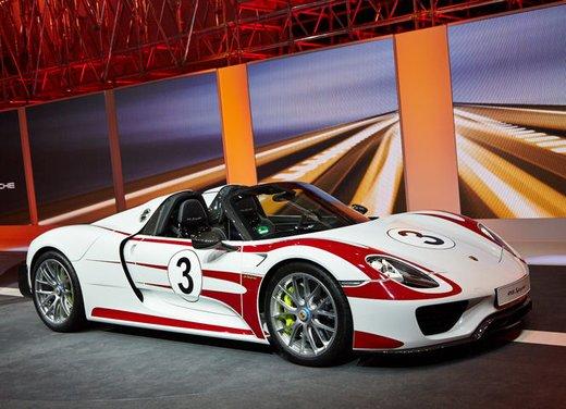A Perugia la prima Porsche 918 Spyder per il mercato italiano - Foto 4 di 15