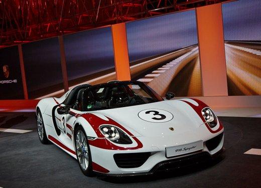 A Perugia la prima Porsche 918 Spyder per il mercato italiano - Foto 5 di 15