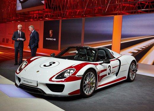 A Perugia la prima Porsche 918 Spyder per il mercato italiano - Foto 6 di 15