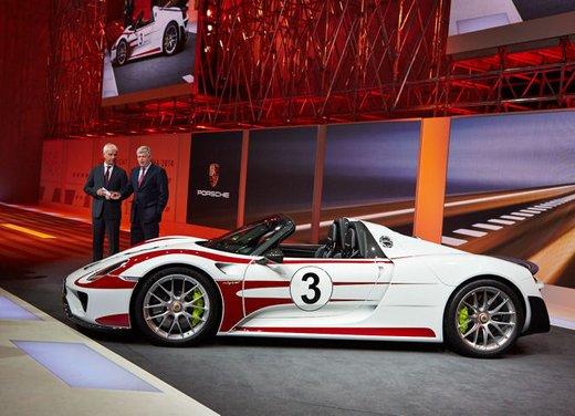 A Perugia la prima Porsche 918 Spyder per il mercato italiano - Foto 8 di 15